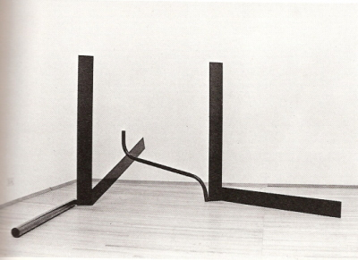 Anthony Caro, Deep Body Blue, 1966. Steel painted dark blue, 48 ½ x 101 x 124 inches. Private collection, Harpswell. Courtesy Annely Juda Fine Arts. Photo: John Goldblatt.