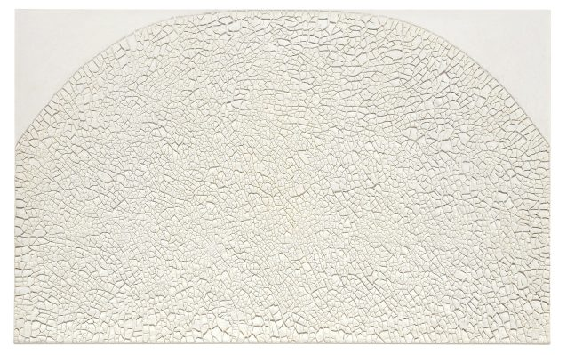 "Alberto Burri, ""Grande bianco Cretto"", 1974 Acrylic znd PVA on Celotex, 126 x 201 cm, private collection, © Fondazione Palazzo Albizzini Collezione Burri, Città di Castello / VG Bild-Kunst, Bonn 2016 Photo: © Kunstsammlung NRW"