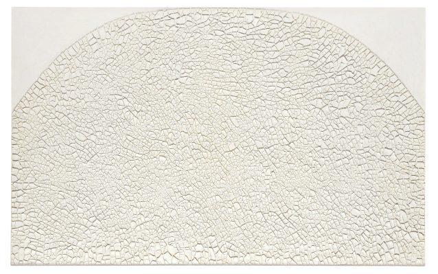 """Alberto Burri, """"Grande bianco Cretto"""", 1974 Acrylic znd PVA on Celotex, 126 x 201 cm, private collection, © Fondazione Palazzo Albizzini Collezione Burri, Città di Castello / VG Bild-Kunst, Bonn 2016 Photo: © Kunstsammlung NRW"""